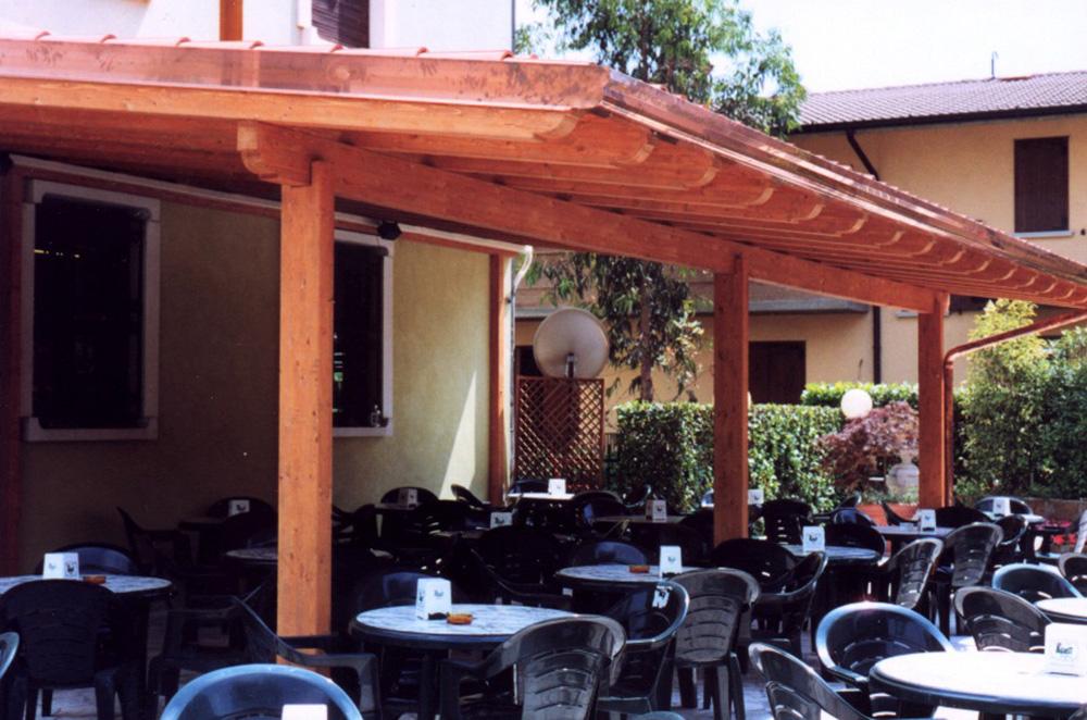 Gazebo in legno lamellare per ristorante   tendasol