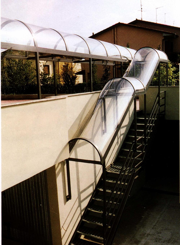 Pensiline in alluminio per porte e scale tendasol - Coperture per scale esterne ...