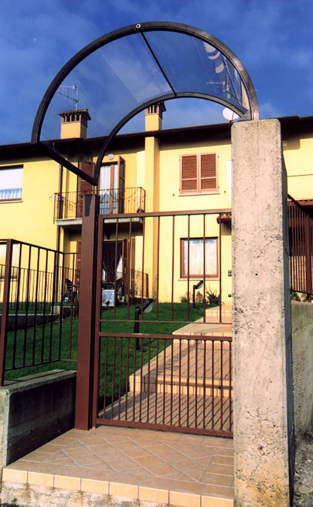 Pensiline in ferro per porte e scale tendasol for Porte e porte