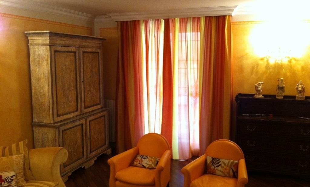 Tende classiche per interni best unico tende classiche for Placche decorative per interni