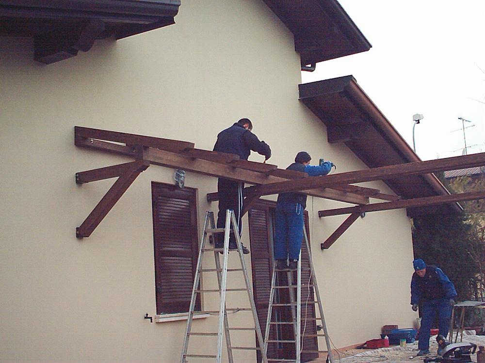 Pensiline in legno per porte e scale tendasol - Scale prefabbricate in legno per esterno ...