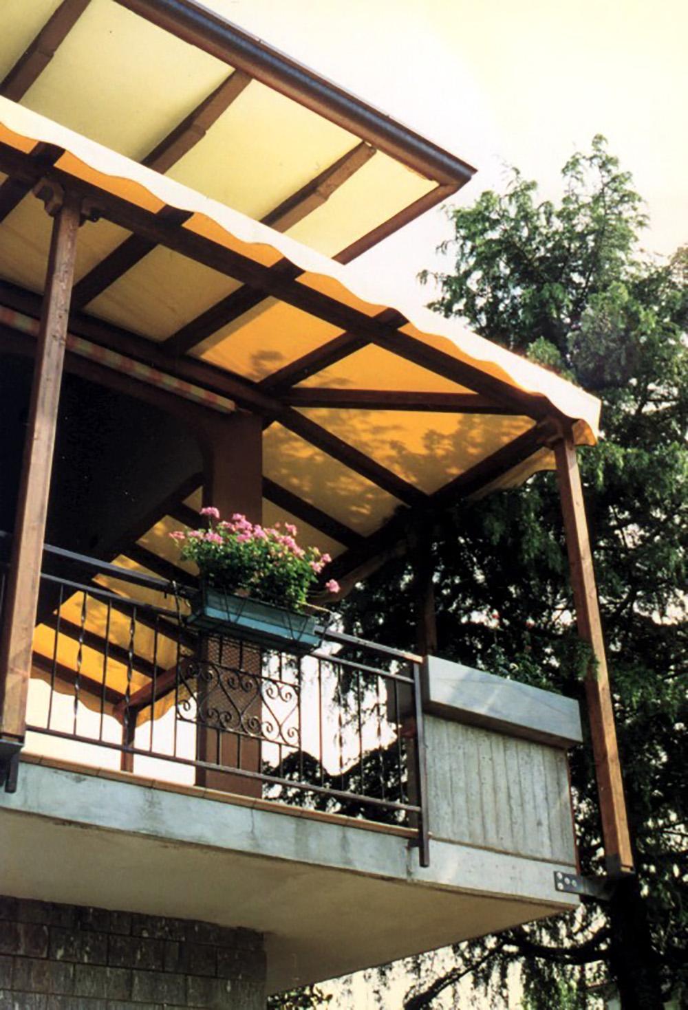Pergolati in legno lamellare per terrazzi e balconi