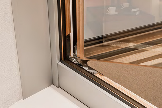 Dettaglio finestra tuttovetro