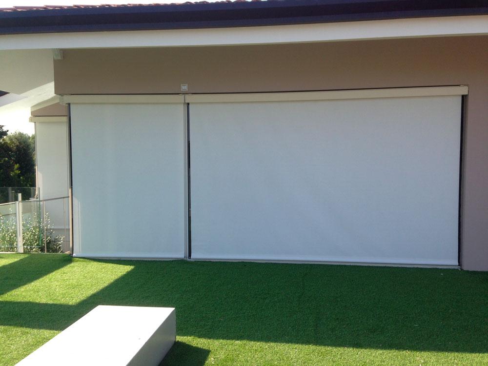 Tenda da sole a rullo con cavetti per garage e car parking