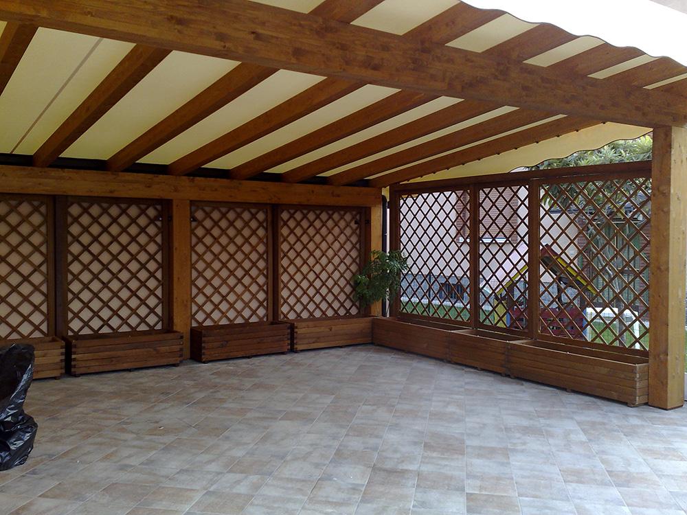 Tettoie in legno lamellare per car park e garage