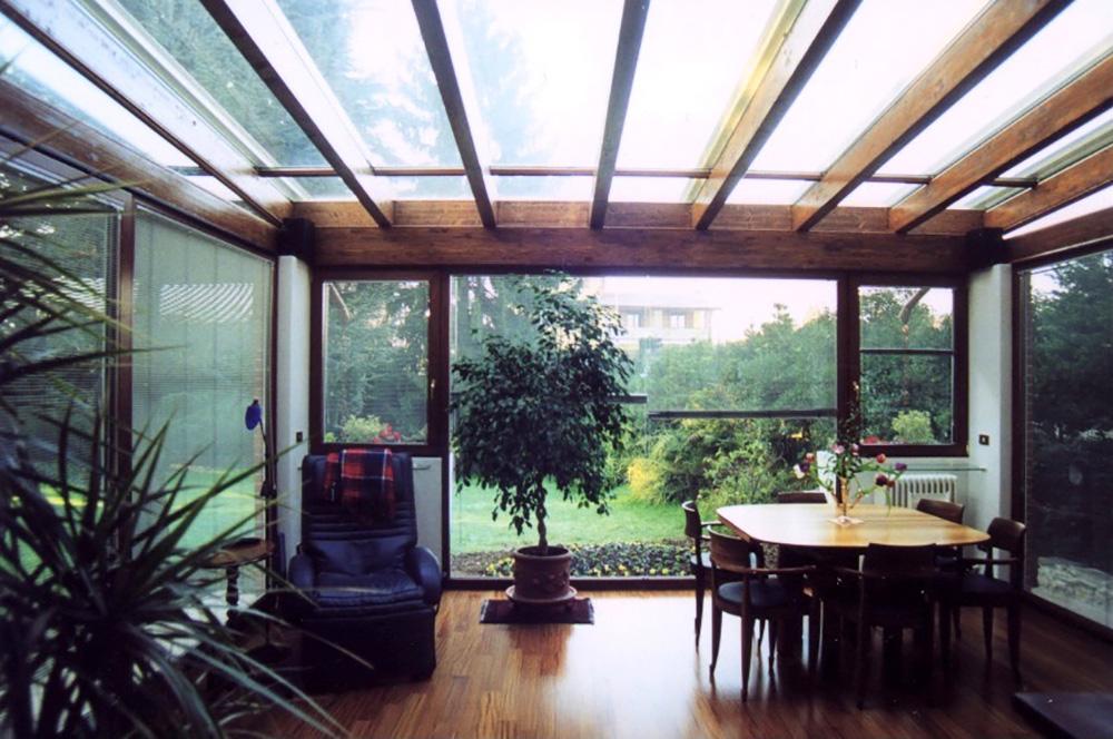 Veranda in legno lamellare interno